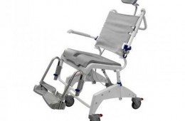 Cadira de bany adaptada per en Samir